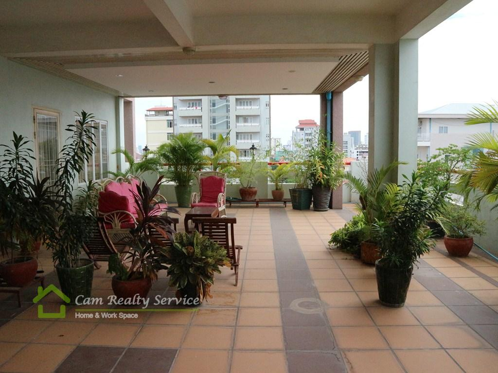 Russian market area| Very nice 1 bedroom serviced apartment  for rent with amazing private balcony| 700$/month| Phnom Penh