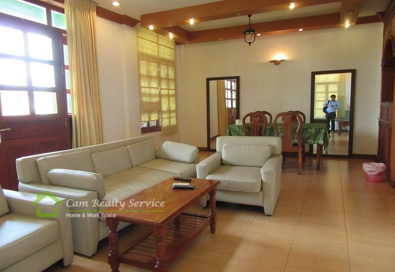 BKK1 area| Very nice 2 bedrooms serviced apartment available for rent| 900$/month| Swimming pool