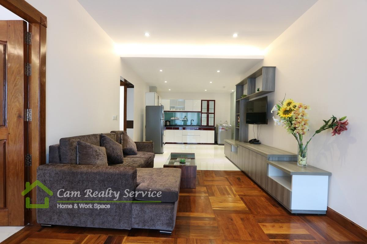 BKK1 area| Luxurious 2 bedrooms serviced apartment available for rent| 1600$/month up| Rooftop pool & Gym