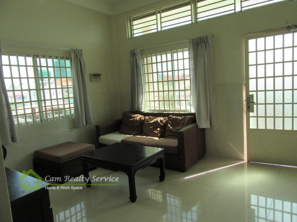 Russian Market| Nice 2 bedrooms serviced town-house available for rent| 400$/month| Phnom Penh
