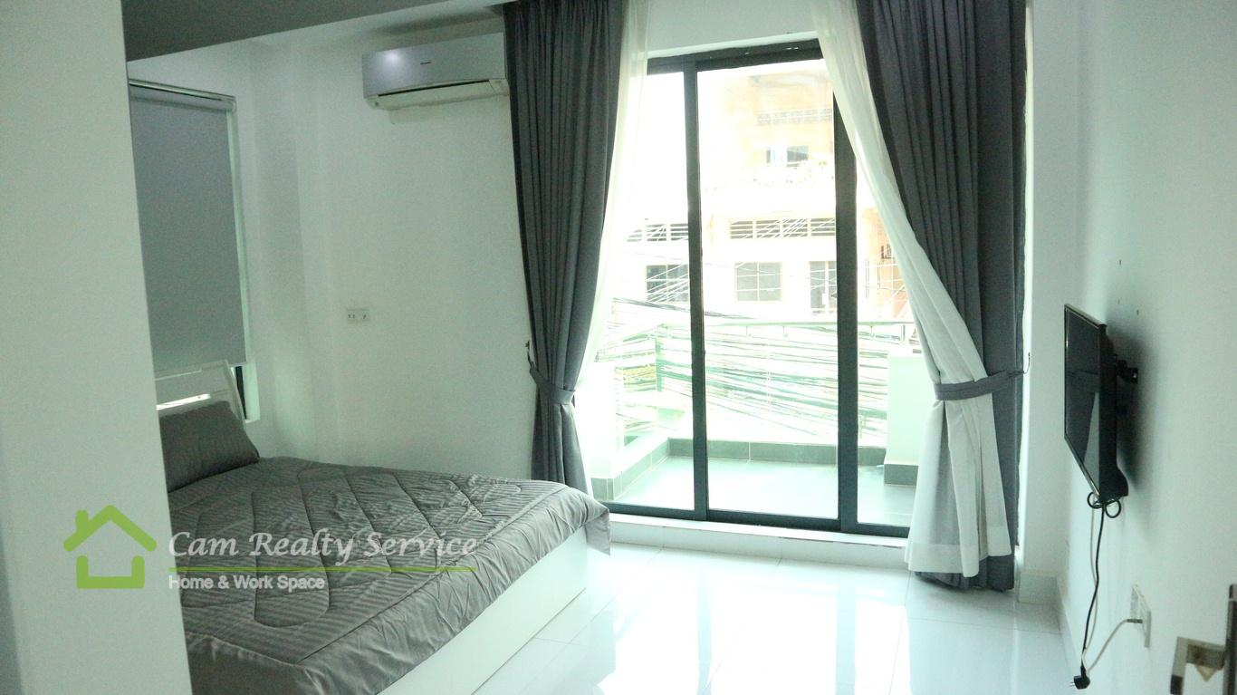 Sovanna Shopping Center area| Western style 1 bedroom serviced apartment available for rent| 380$/month| Pool| Phnom Penh