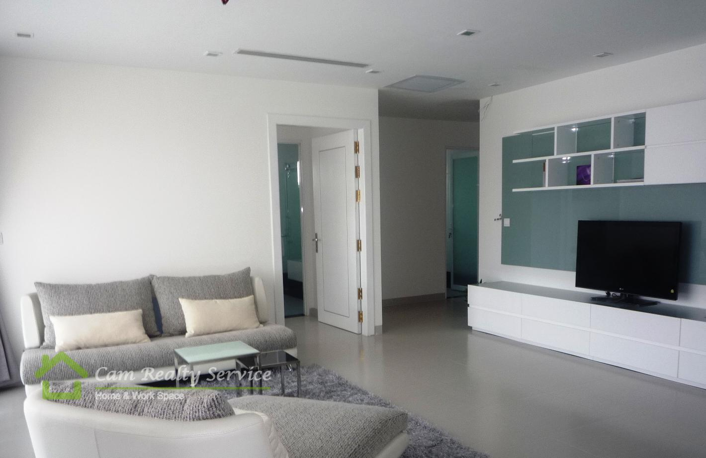 BKK1 area| Modern western style 3 bedrooms serviced apartment available for rent| 3000$/month| Rooftop pool & Gym