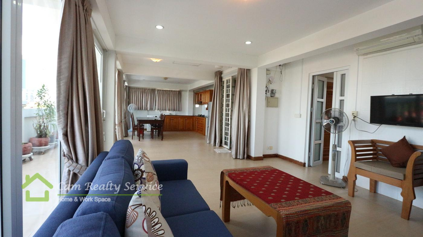 Bassac Lane area  Beautiful 2 bedrooms apartment for rent  550$/month