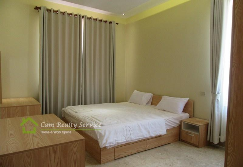 Toul Sleng area  Very nice 2 bedrooms serviced apartment available for rent  900$/month  Elevator