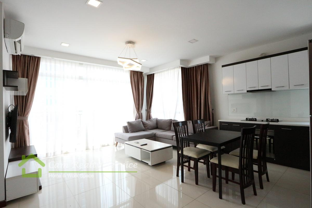 Tonle Bassac area| 2 bedrooms serviced apartment for rent in Phnom Penh | Pool & Gym