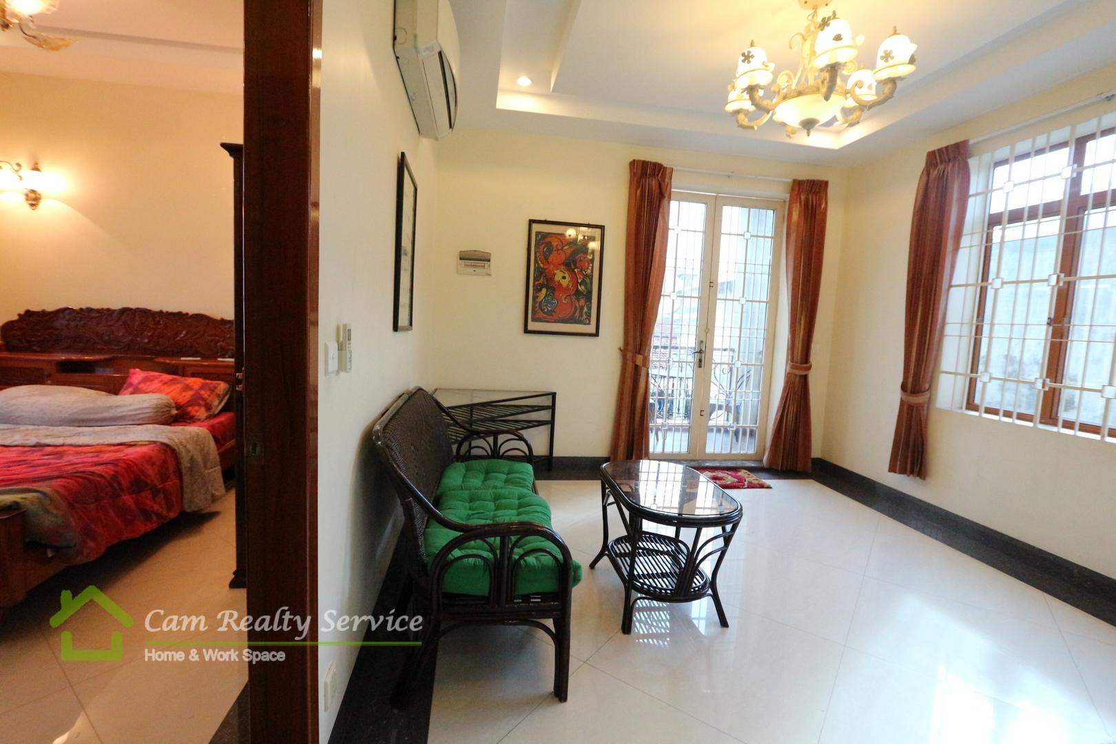 BKK3 area  Fully furnished 2 bedrooms town-house available for rent  550$/month