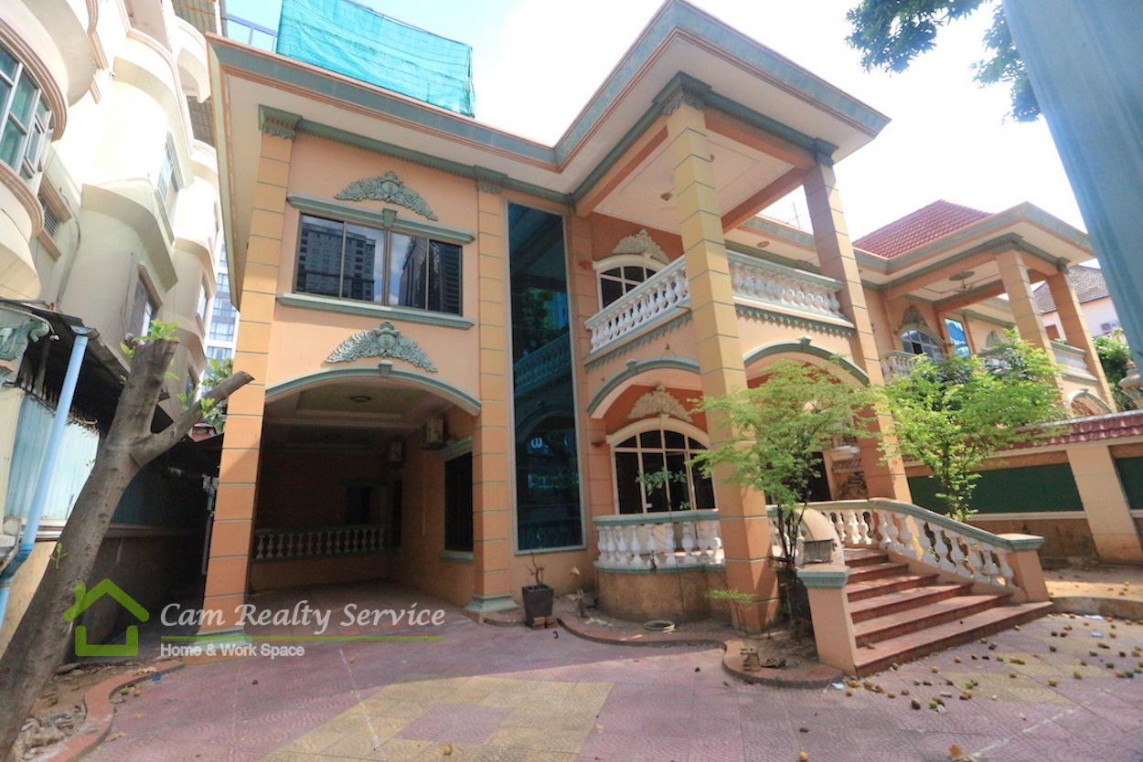 BKK1 Area|Very nice villa| 2 floors| 7 bedroom 6 bathrooms available now for rent 5000$ (negotiable)