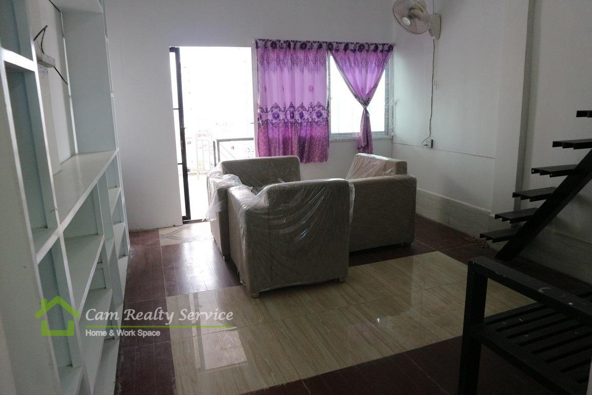 Toul Sleng  Very nice 1 duplex bedroom town-house available for rent  250$/month