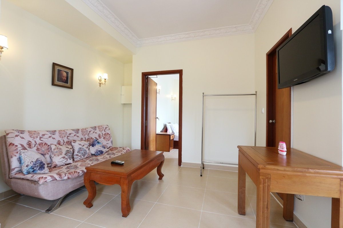 Independence Monument area  Beautiful 1 bedroom serviced apartment available for rent 400$/month