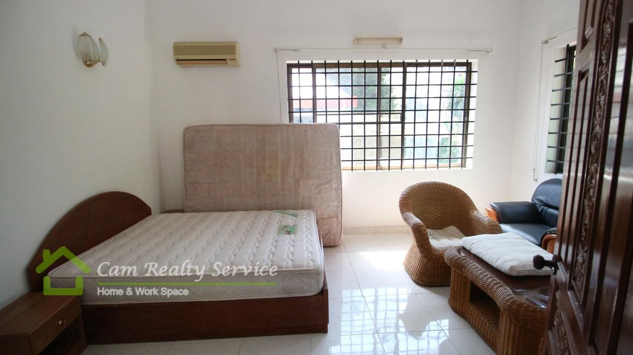 BKK1 area|Nice fully-furnished 3bedrooms villa 1st floor available for rent now/ 1400$/month