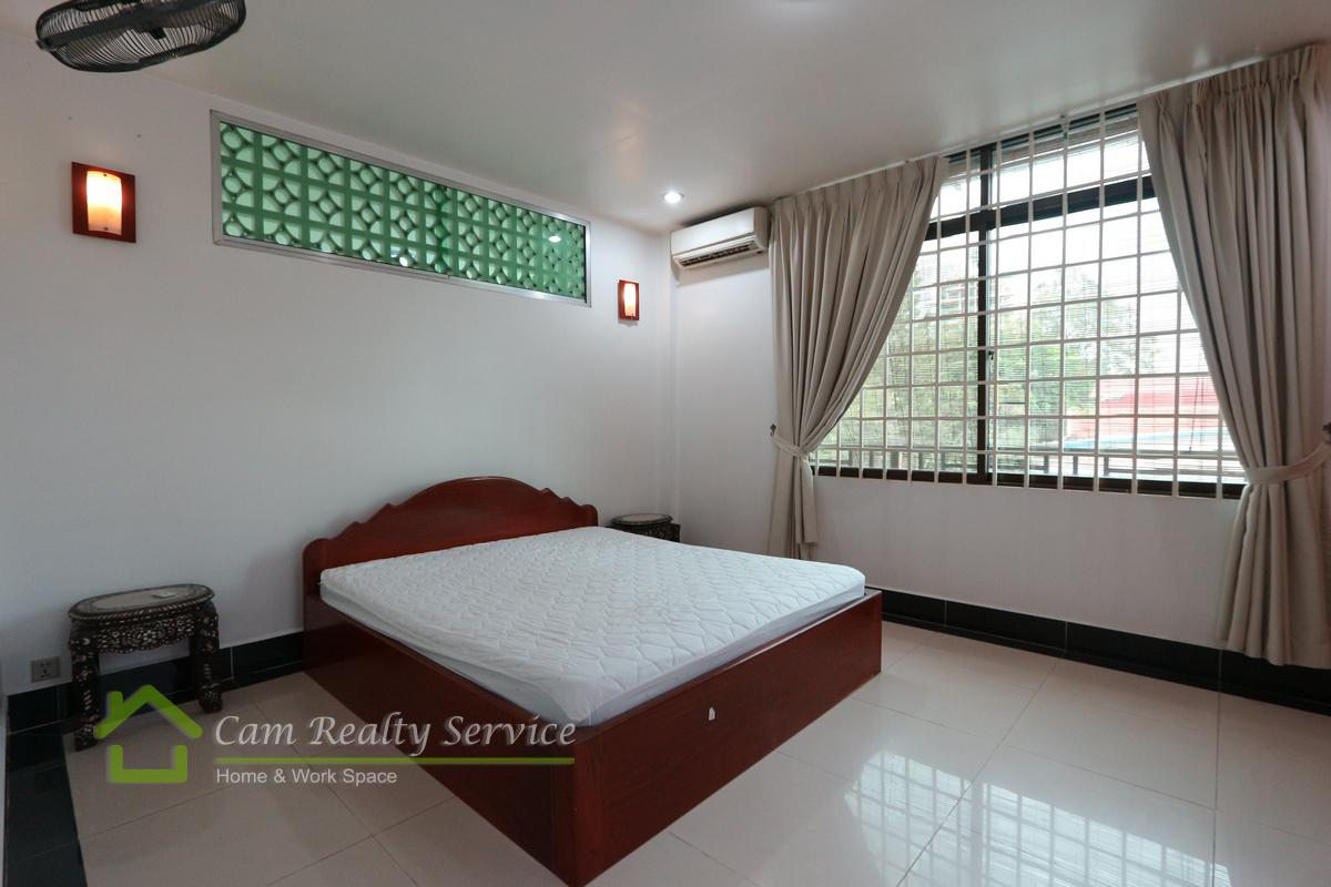 Town house for rent in Tonle Bassac 9