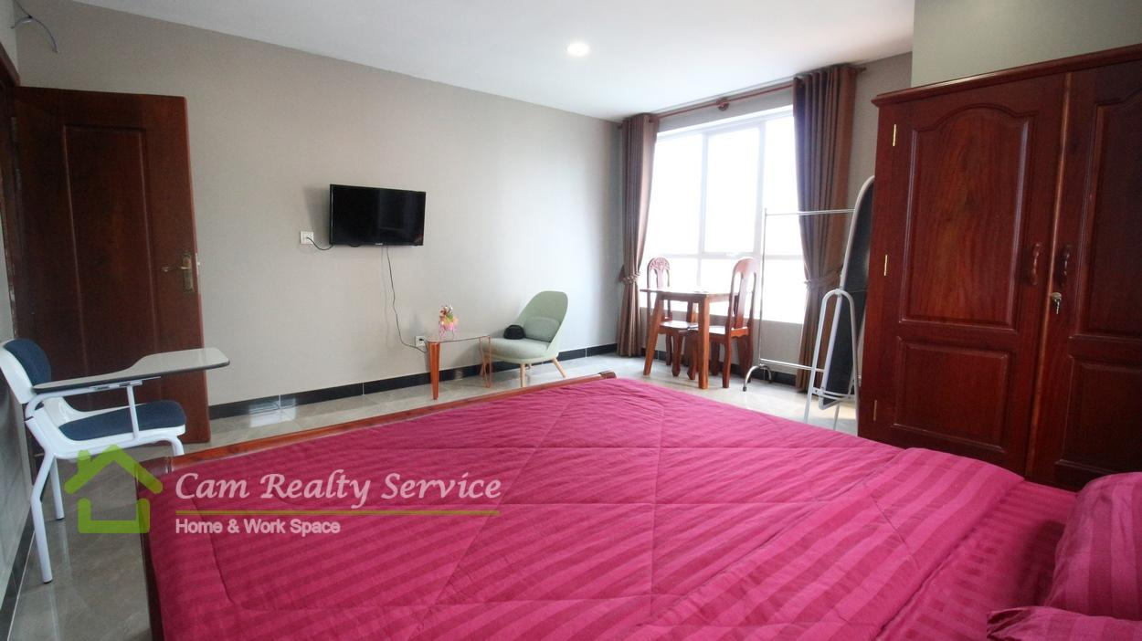 Wat Phnom Area Nice fully-furnished 1 bedroom serviced apartment for rent 400$/month  car parking 