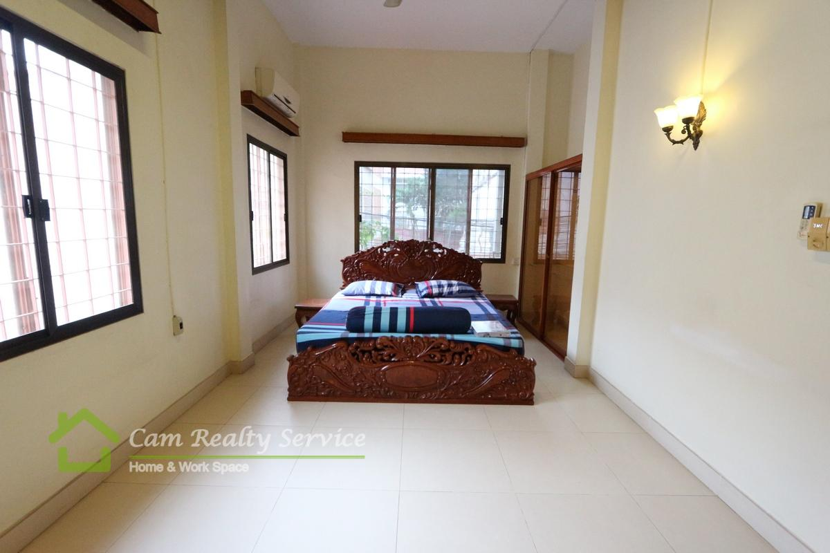 Bassac Lance area| Very nice renovated 2- bedrooms town- house for rent on 1 st floor 650$/month.
