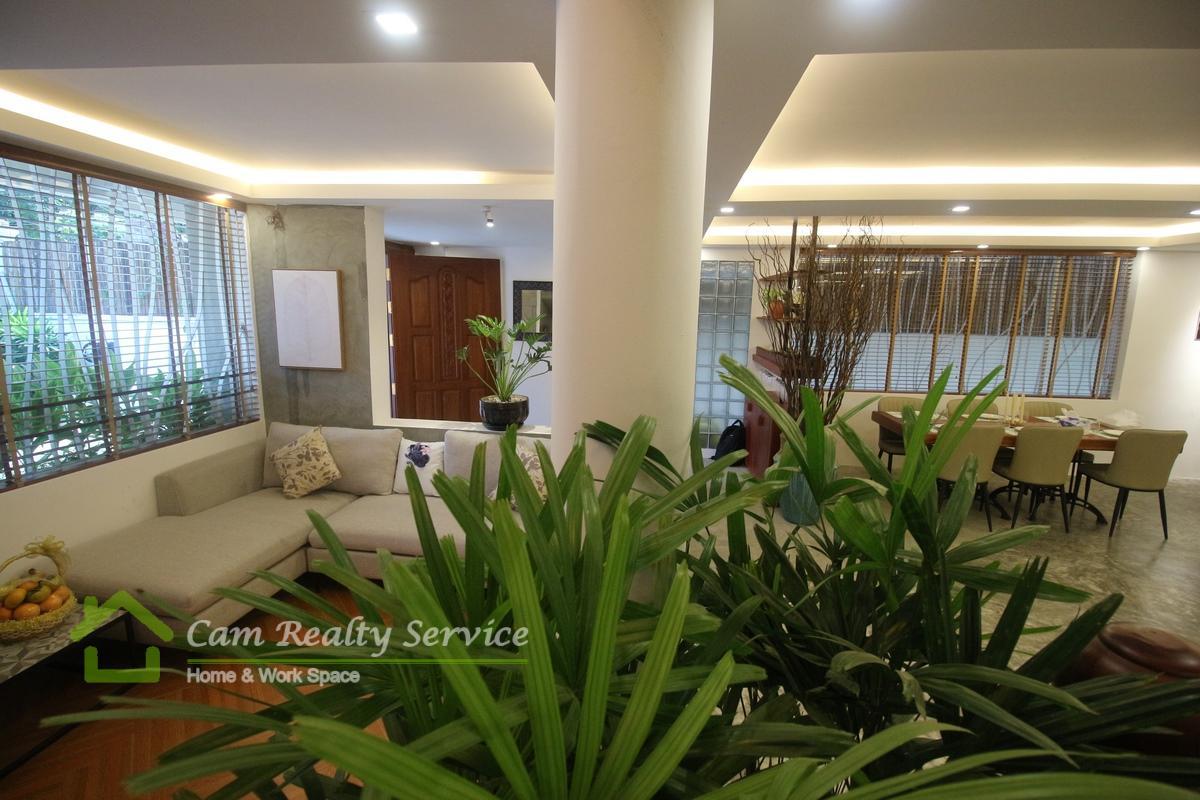 Bassac Lane Area  Modern Villa 3 bedroom 4 bathroom available for rent 2500$/month