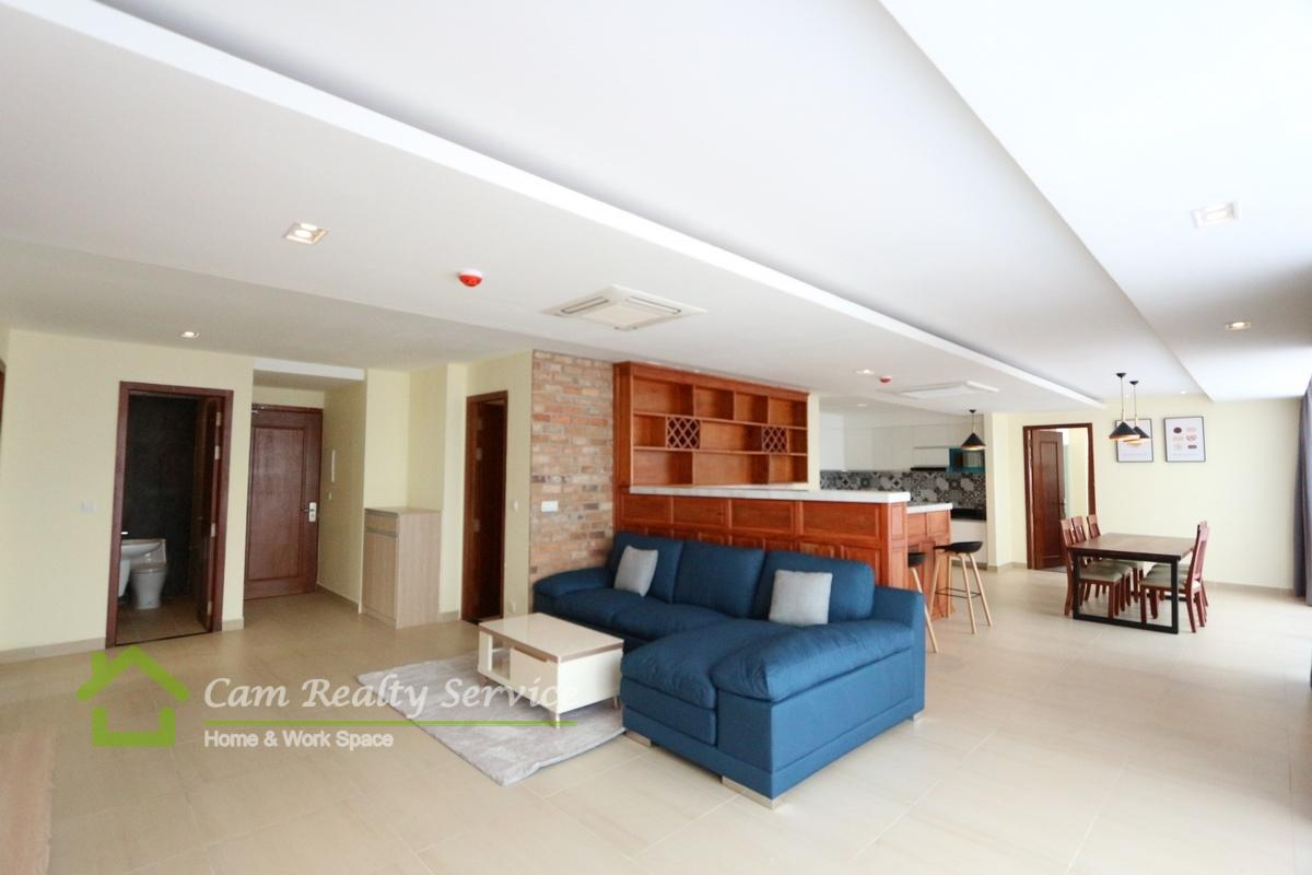 Southern part of BKK1 area| 3 bedrooms serviced apartment| 2800$/month| Pool, gym, steam & sauna