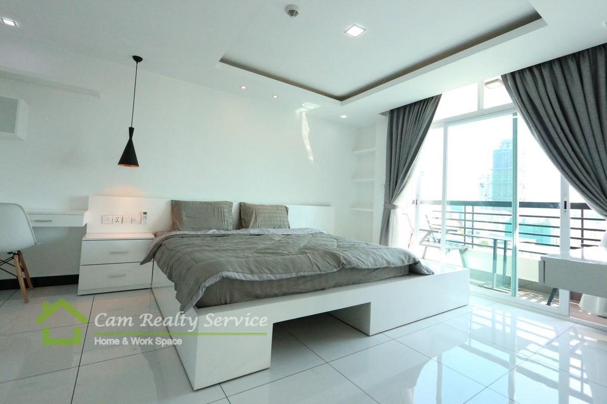 BKK3 area  Modern style 1 bedroom serviced apartment  750$/month  Pool, gym, steam & sauna