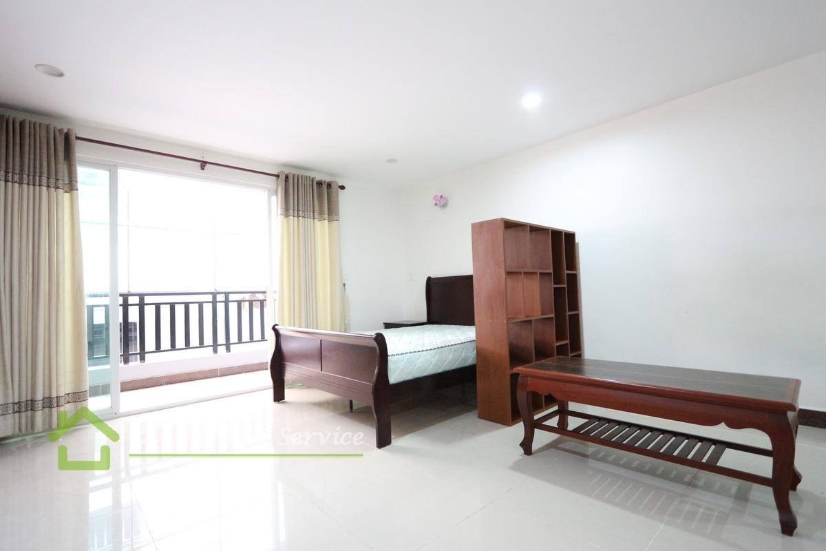 Beong Trabek Area|Nice studio serviced apartment for rent 350$ up/month (swimming pool, gym & sauna)