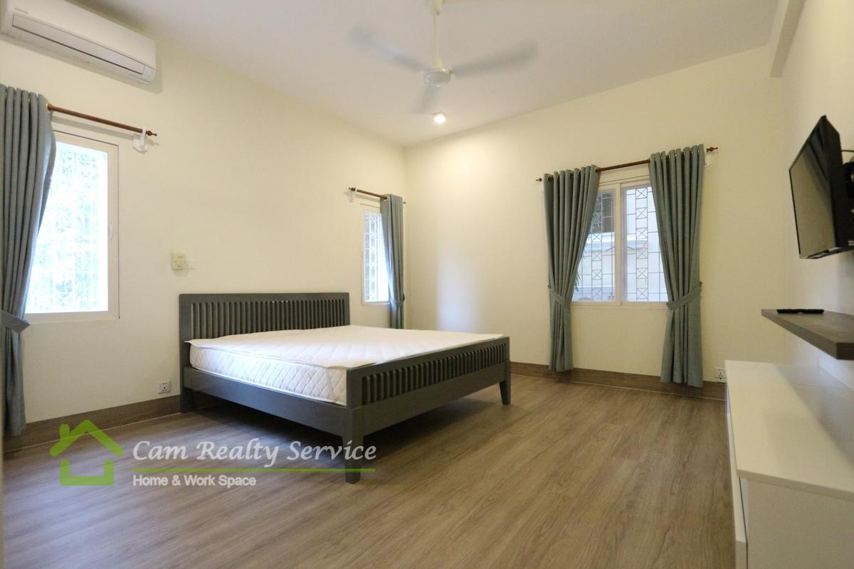 BKK1 area| Modern style renovated| 2 bedrooms service apartment available for rent 1400$/month(gym & car parking)