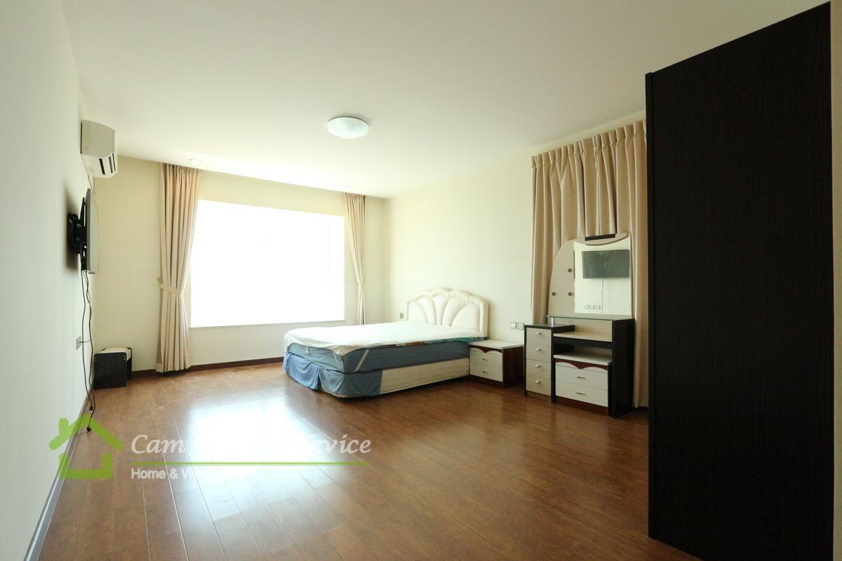 Tonle Bassac Area  Spacious 3 bedroom condominium available for rent 2500$/month