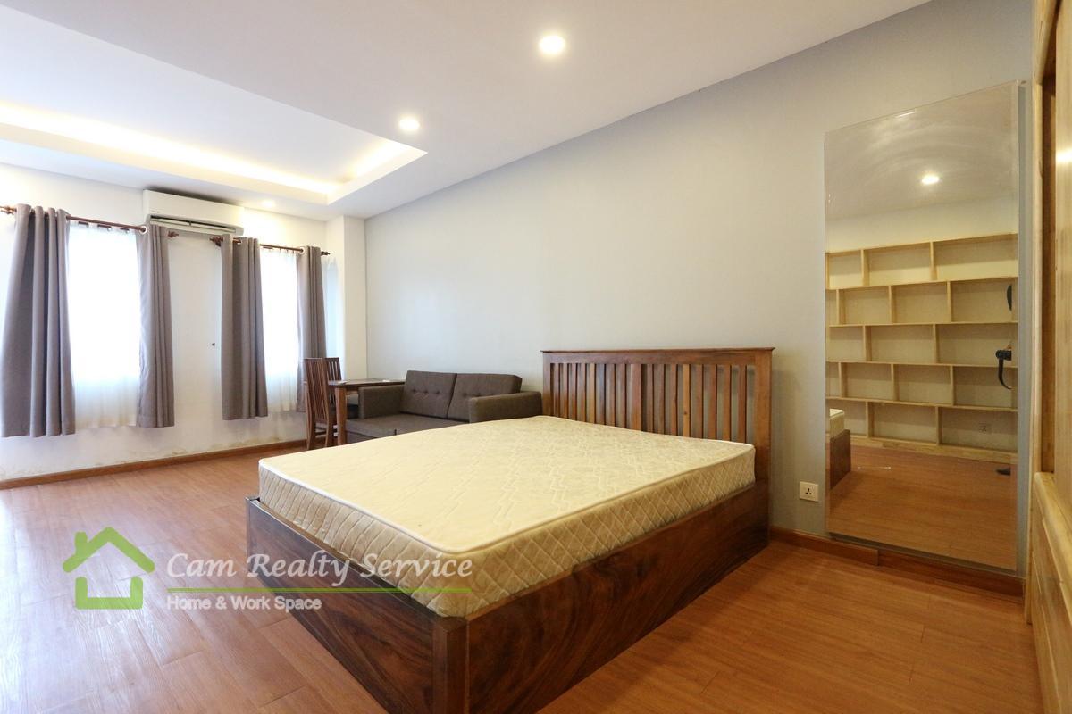 Bkk2 Area  Modern style studio condominium available for rent 350$/month motor parking 