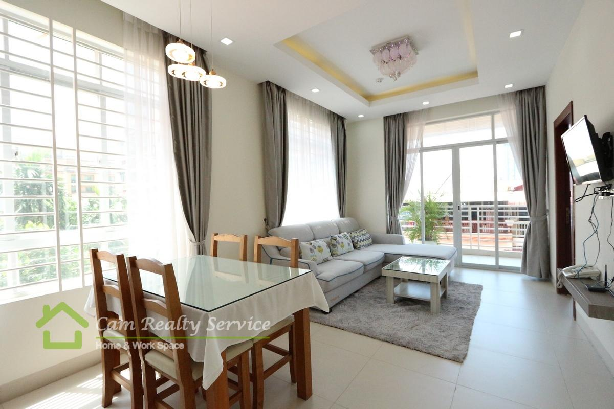 American style 2 bedrooms serviced apartment for rent near Bassac Lane| 800$/month up| Pool & Gym