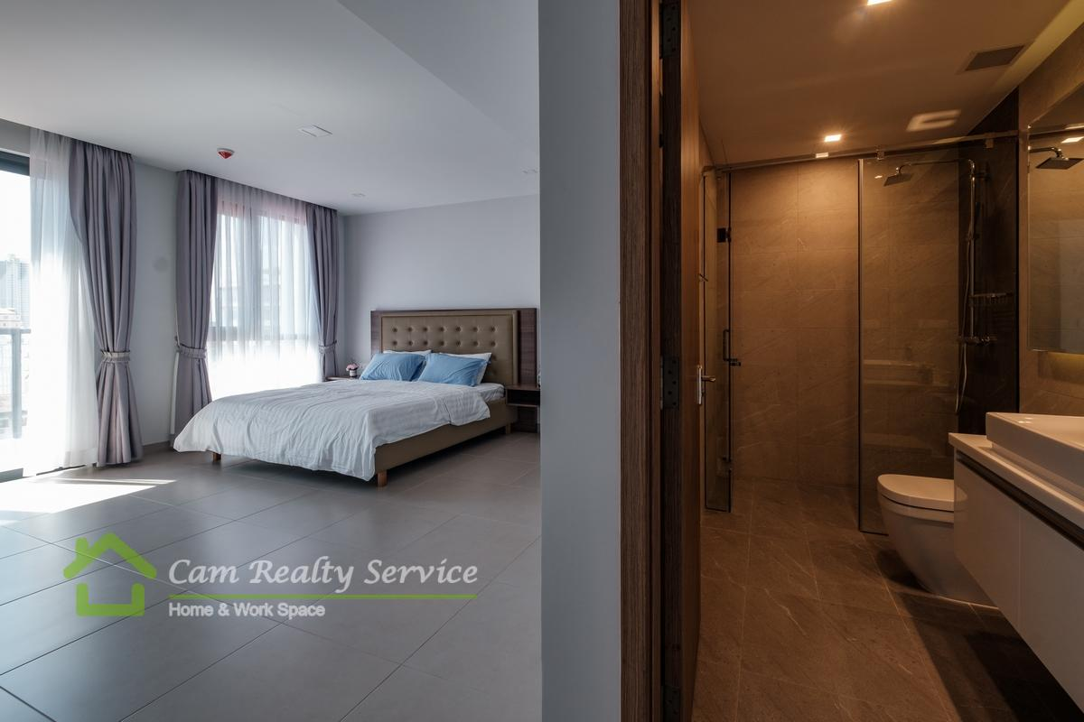 Spacious luxury 3 bedrooms serviced apartment for rent in bkk1 phnom penh