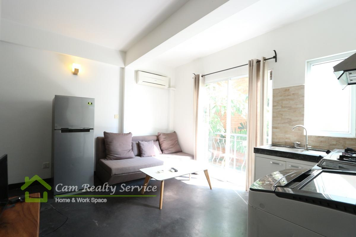 Tonle Bassac Area  Nice 1 bedroom renovated house for rent 350$/month Motor parking 
