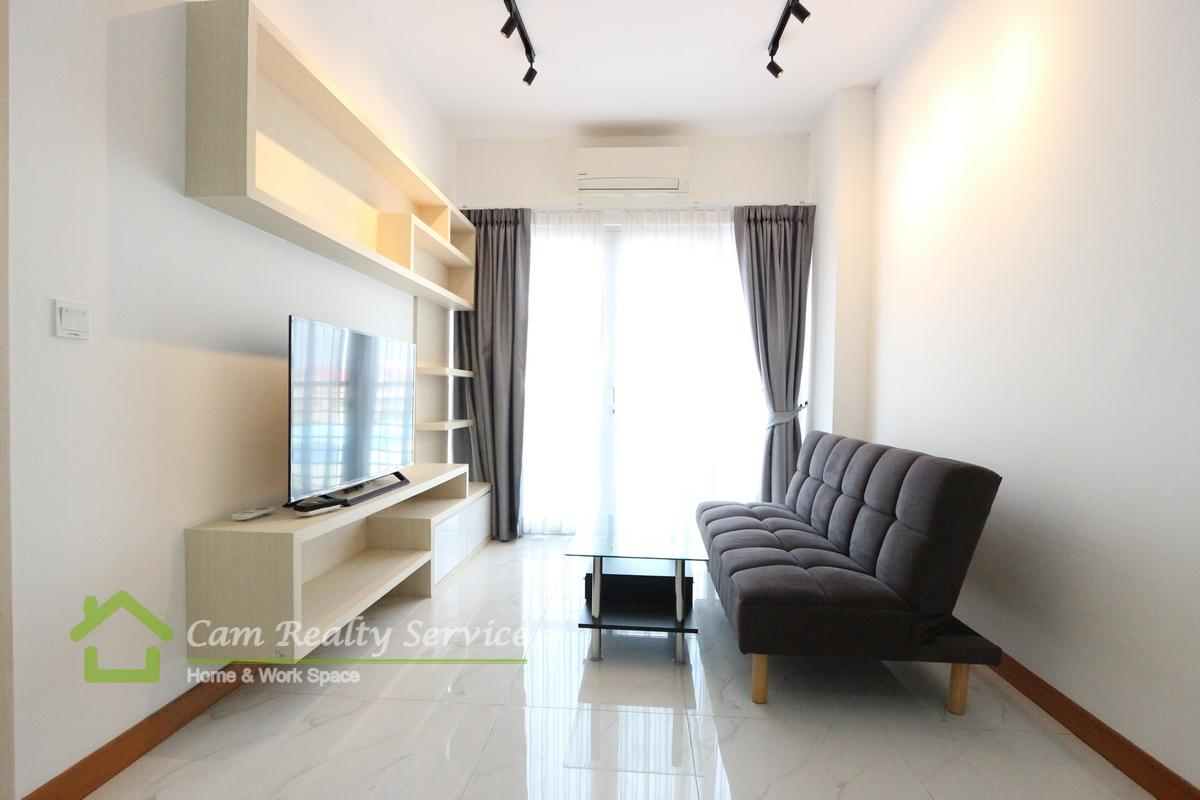 South-West of Russian market area  Brand new 1 bedroom condominium available for rent 400$/month Pool, gym, steam & sauna  Phnom Penh