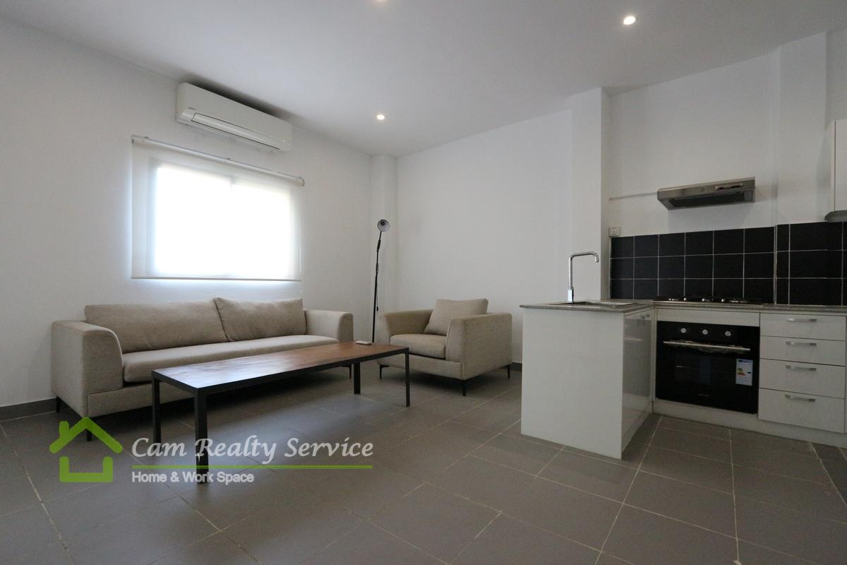 Tonle Bassac Area  Modern style 2 bedrooms renovated house available for rent 800$/month  Motor parking 