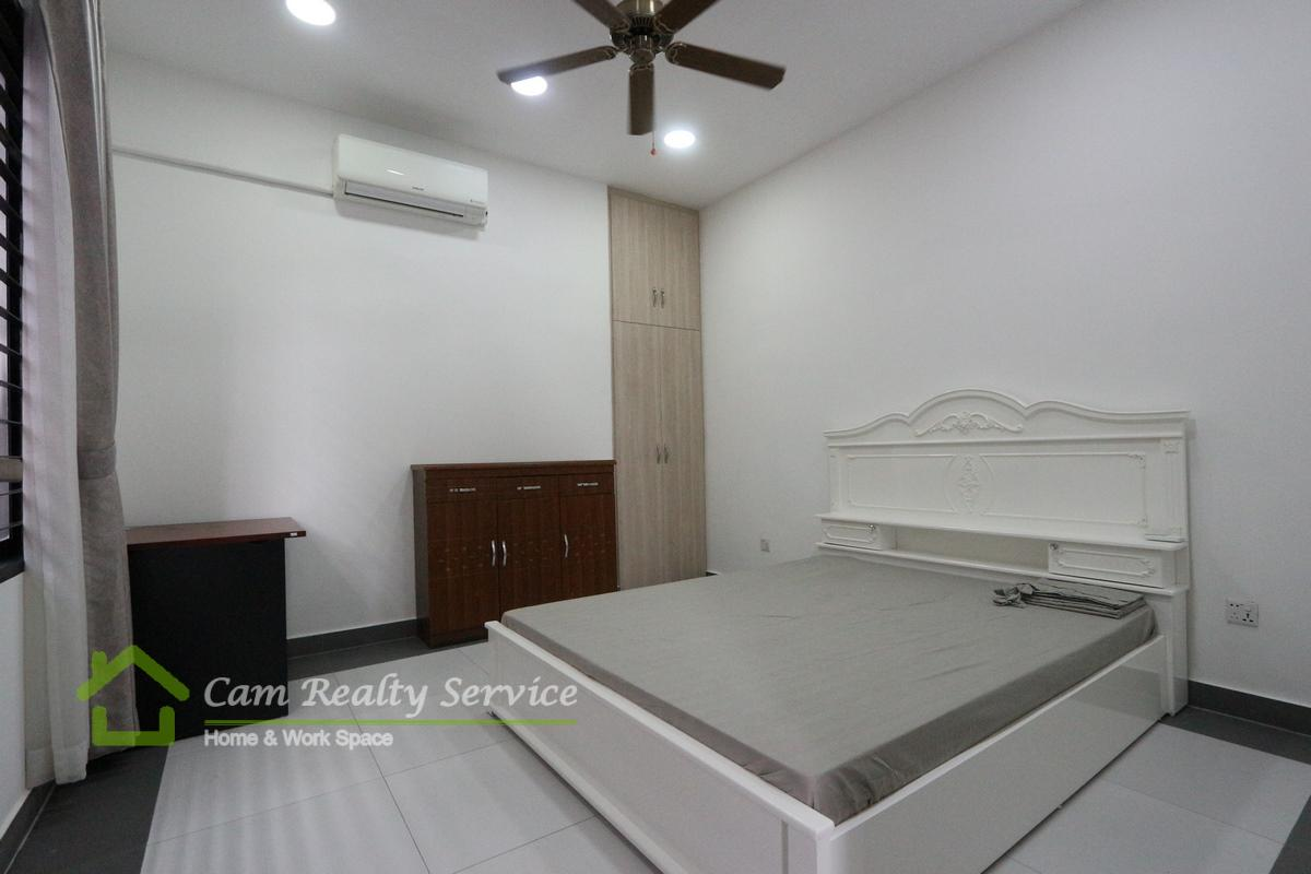 Russian market area  Very nice 1 bedrooms apartment for rent 300$/month
