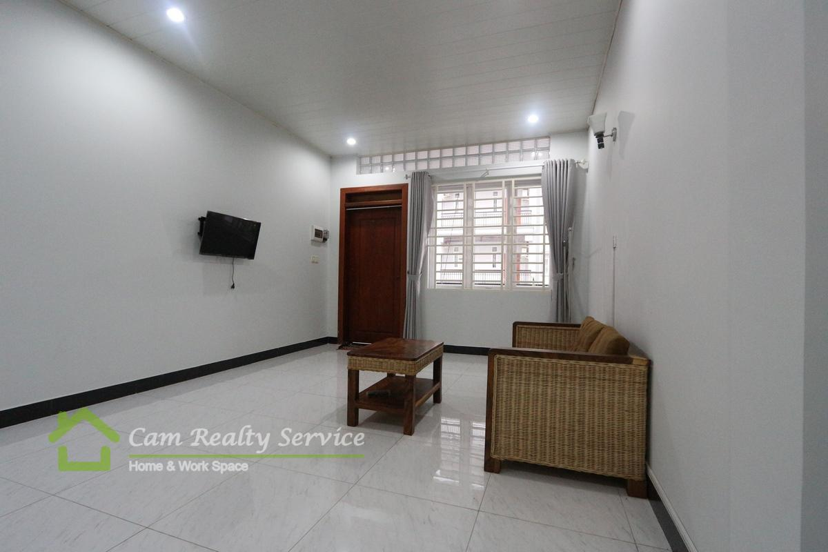 Russian Market area  Very nice 1 bedroom town house available for rent 350$/month Motor parking
