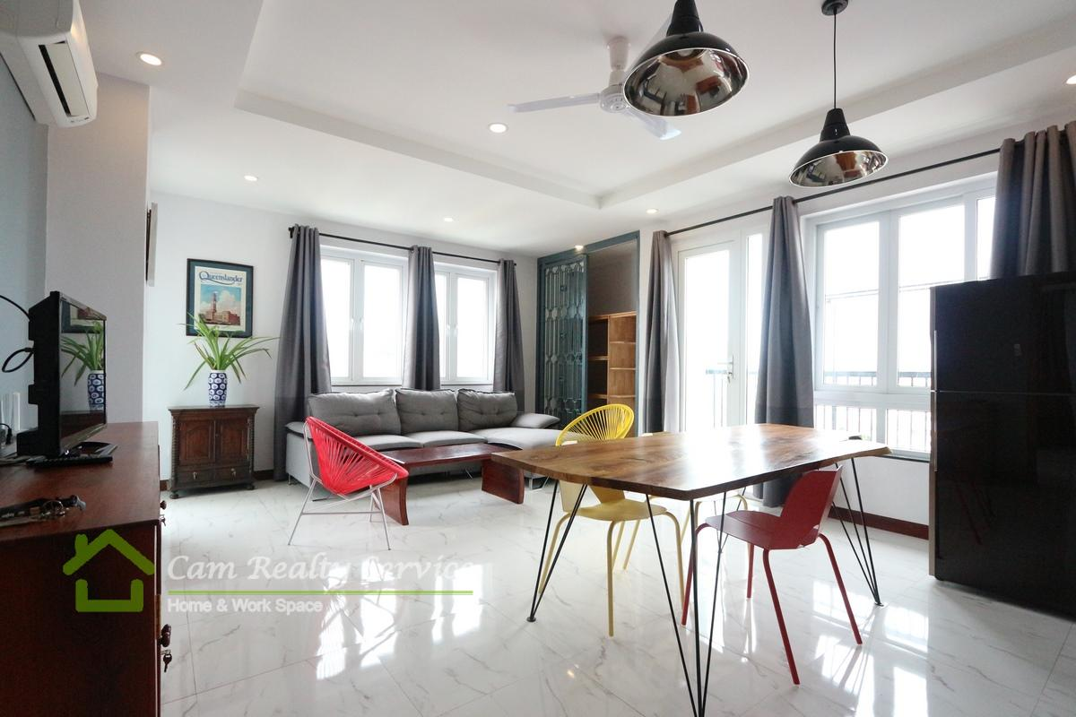 Behind Phnom Penh Tower| Spacious 2 bedrooms apartment available for rent 800$/month