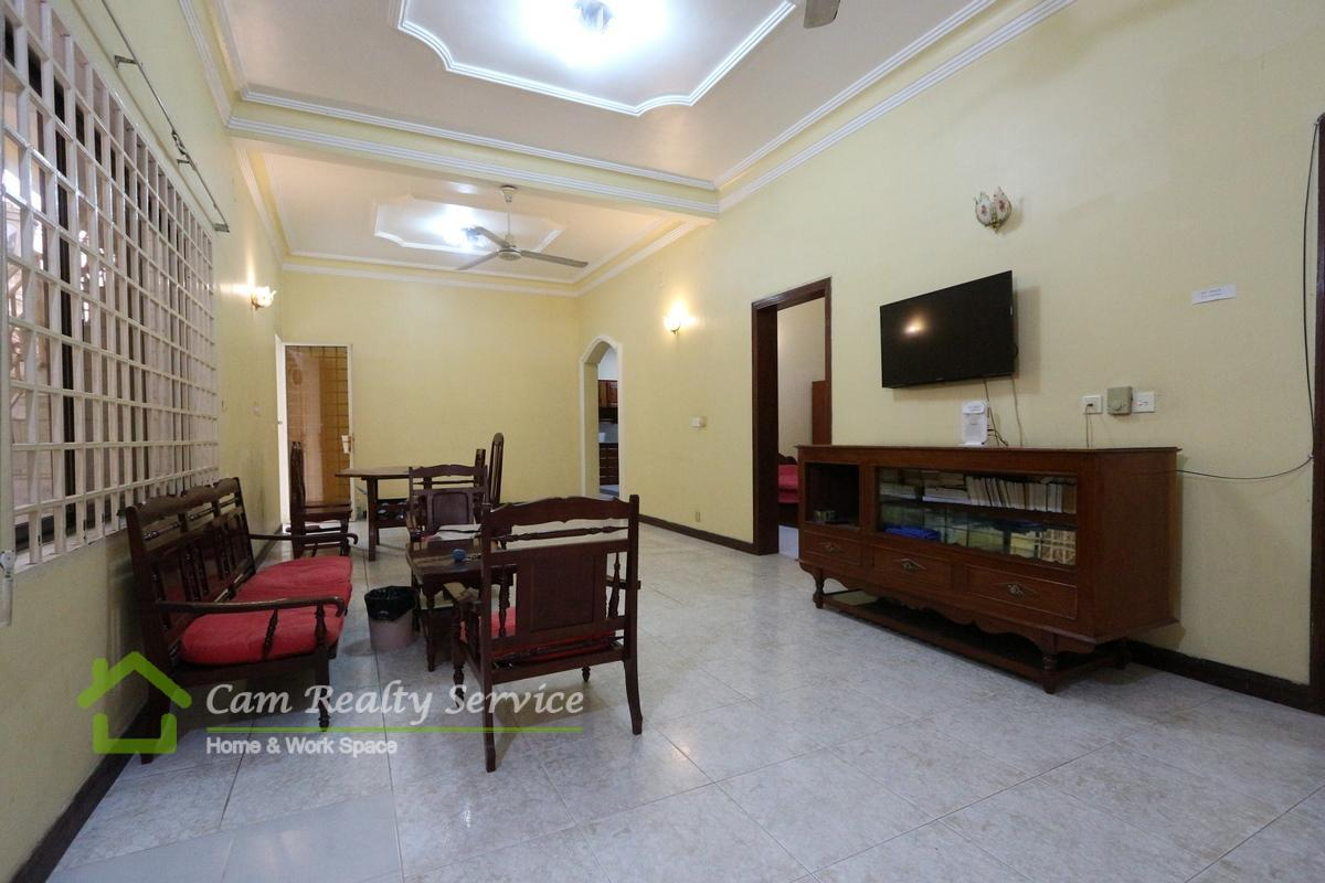 BKK3 area| Very nice 3 bedrooms town-house available for rent 800$/month