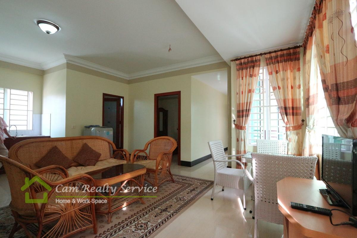 BKK3 area| Very nice 2 bedrooms town house available for rent 350$/month