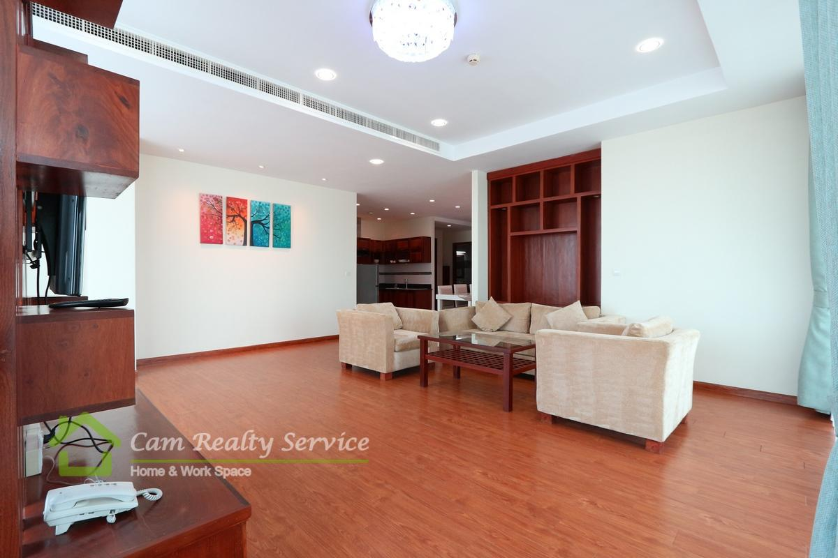 Russian Market area  Spacious 3 bedrooms serviced apartment available for rent 1600$/month  Rooftop pool, gym, steam & jacuzzi 