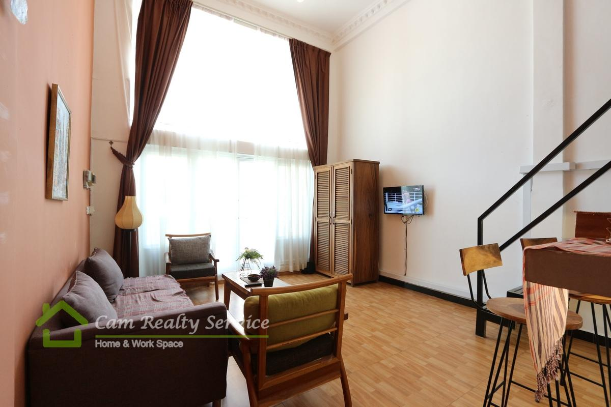 Russian Market area| Duplex style 2 bedrooms renovated house available for rent 500$/month