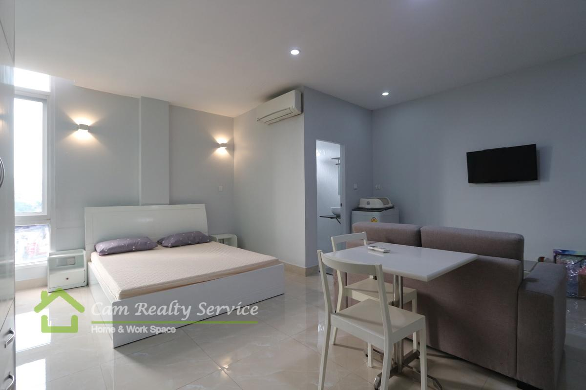 BKK2 area  Modern style studio apartment available for rent 400$/month  Elevator