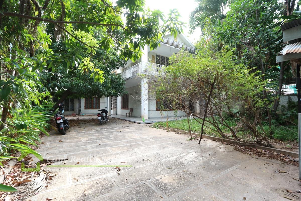 BKK1 |5 bedrooms 3bathroom villa for rent 6500$/month (negotiable)