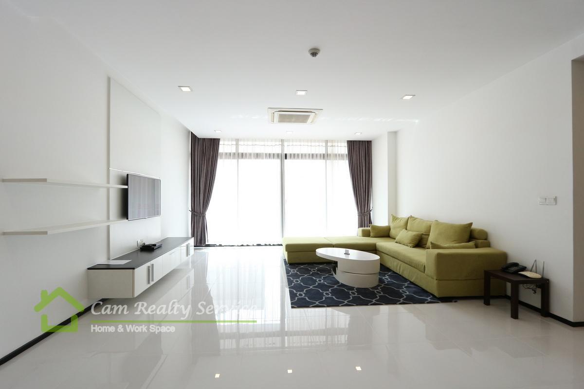 Independence Monument area  Western style 2 bedrooms serviced apartment available for rent 2973$/month  Beautiful rooftop pool, Gym, Steam & Sauna