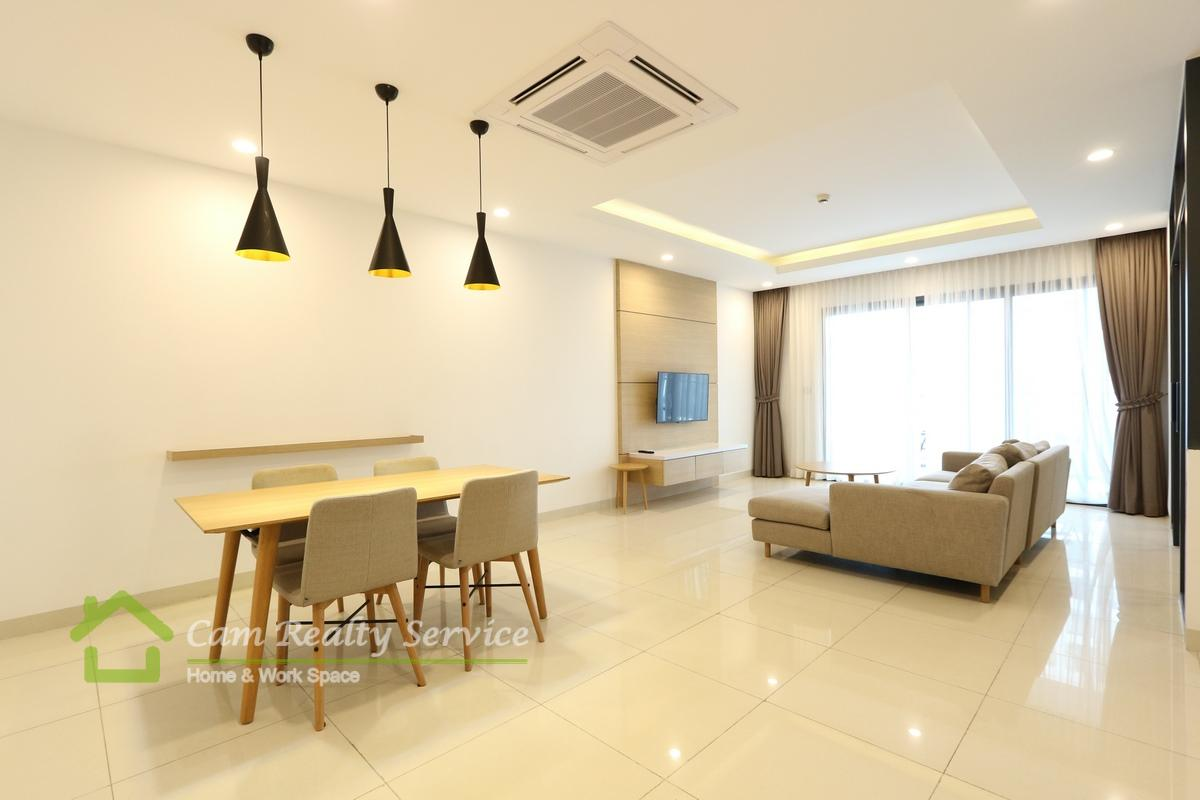 Southern Tonle Bassac area| Modern style 2 bedrooms serviced apartment available for rent 1600$/month up| Rooftop pool & Gym