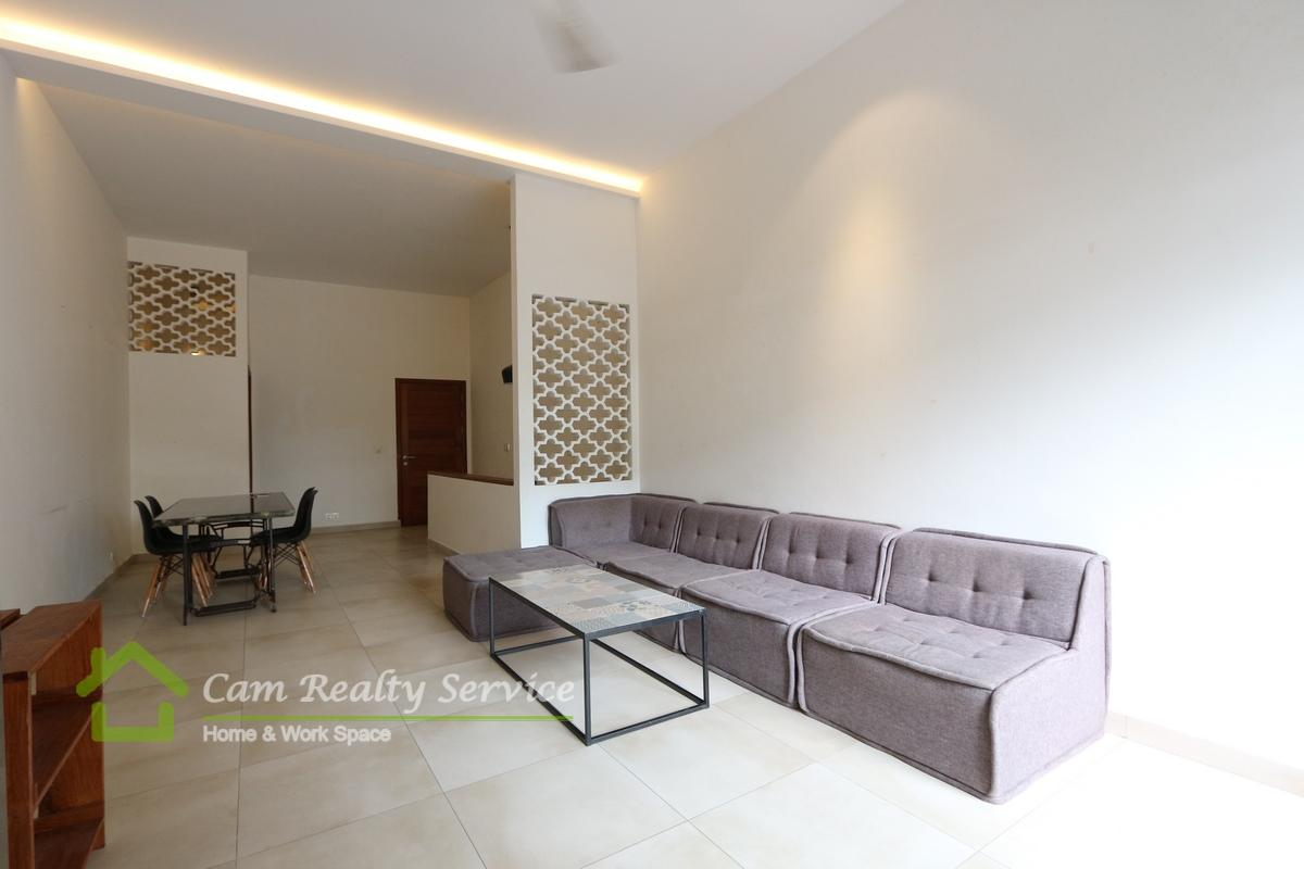 Daun Penh area  Modern duplex style 2 bedrooms renovated house available for rent 700$/month