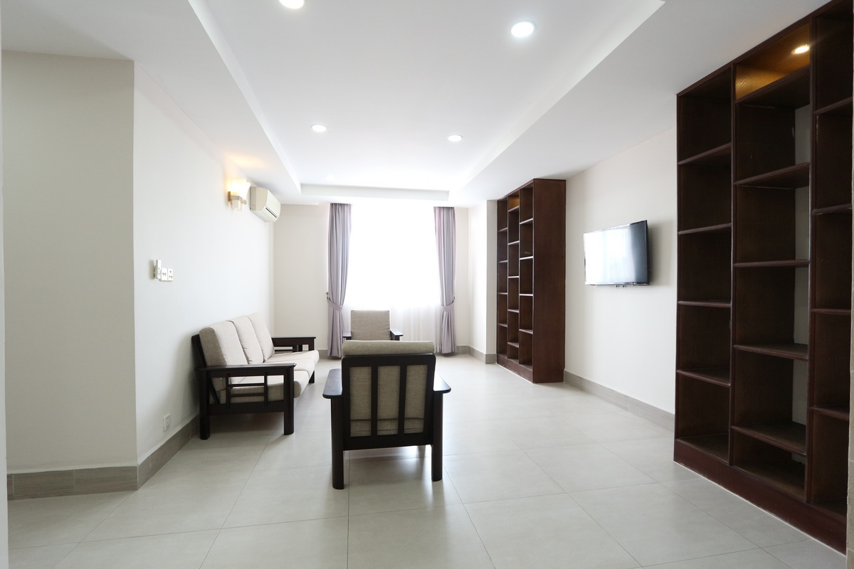 Toul Sleng (BKK2)| Spacious and beautiful 3 bedrooms apartment available for rent 1000$/month| Gym