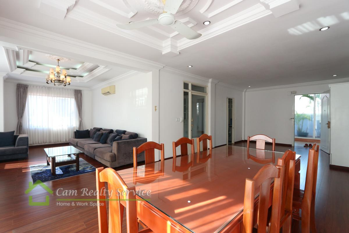 BKK1 area| Specious 4 bedrooms serviced apartment available for rent 1800$/month| Pool & Gym|