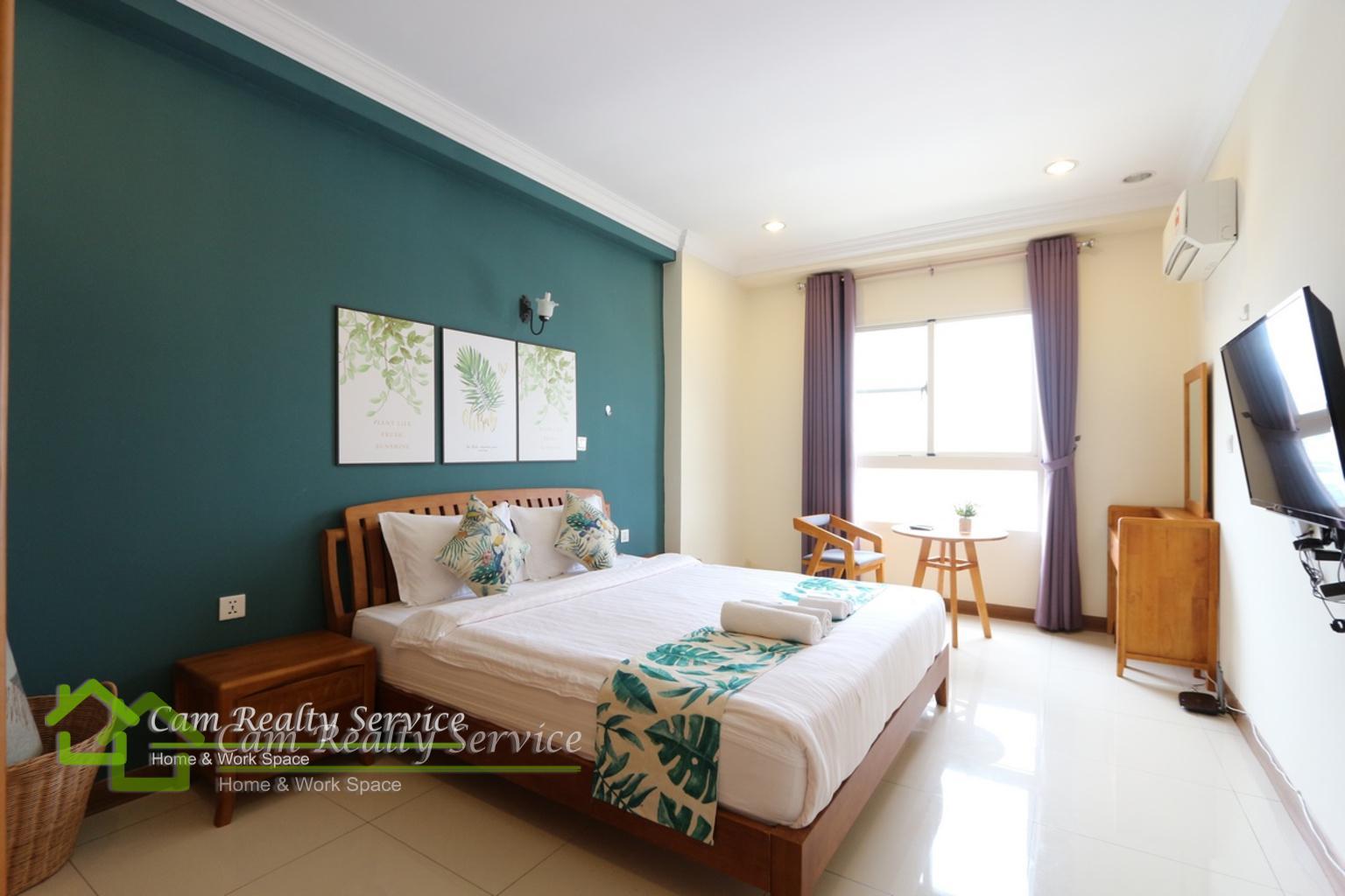 bedroom.JPG1 (1)